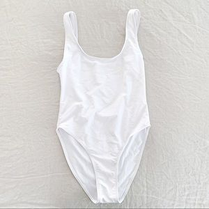 FREE with purchase🌟 High cut one piece swim suit